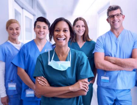 Les inspecteurs de bâtiment et maison apprécie le travaille des travailleurs de la santé